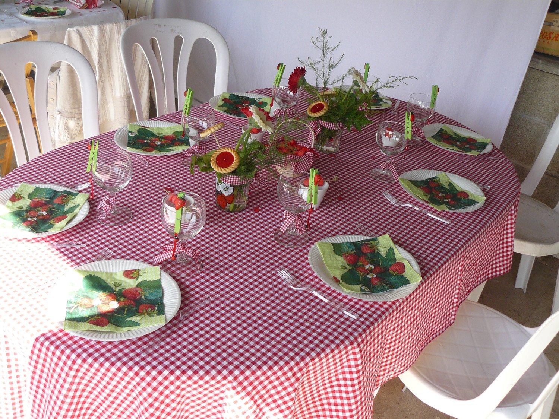 La table aux coccinelles et aux fraises ou la table de for Nappe centre de table